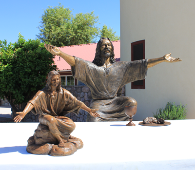 """Welcoming Christ"" lifesize bronze scene of Jesus Welcoming People, Spirit of Joy Church, Gilbert, AZ, Christian school statues, prayer garden memorials of Jesus Christ, memorials by Christian sculptor, Tom White. Biblical and religious monumental statues.  Sculptures of the Last Supper, Washing Jesus' Feet, communion elements bread and wine in bronze, monumental Christ sculptures, parables of Christ in art, faith-based sculptures, images of Christ"