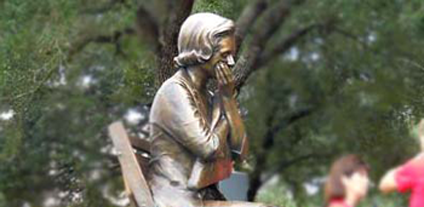 Gold Star Mom lifesize bronze monumental bronze by Tom White, public bronze commission sculptor, Brazoria County Ring of Honor veterans memorial bronze statue, military sculpture memorial
